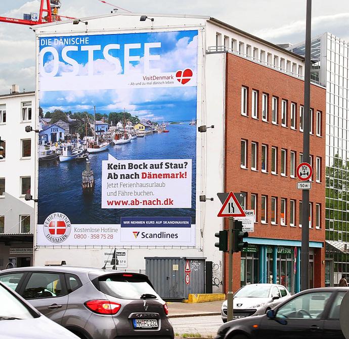 Riesenposter als Plakatwerbung, Hamburg